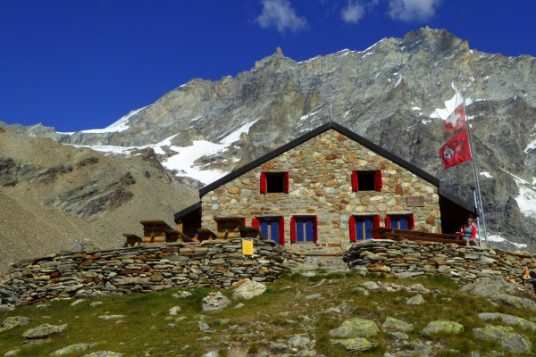 wiki-photo-cabane Arpitettaz-2.jpg
